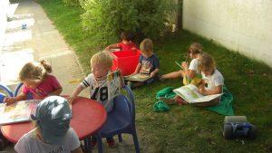 Bücherei im Garten