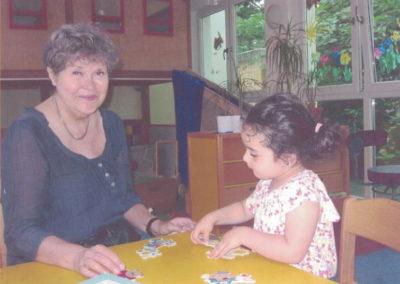 Lese-Oma Petra im Familienzentrum Mummi Mönchengladbach